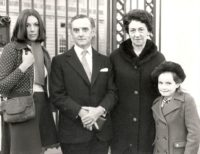 The Newby Family, 1972: Sarah, Howard (P.H.), Joan, and Katie.