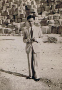 Newby at the Great Pyramid, Giza, May 1946